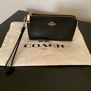 Coach double zipper black with gold wristlet